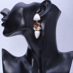 Jewelry - White drop earrings